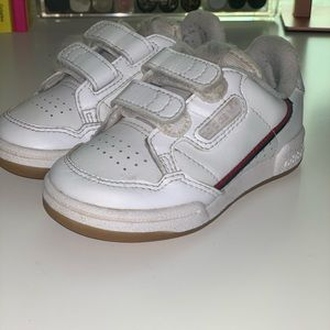 Unisex Adidas sneakers